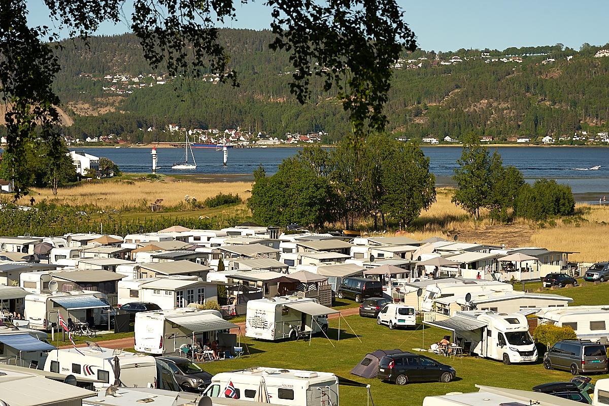Bobiler, campingvogner og telt